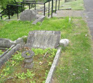 Private Arthur Leaman's headstone before restoration