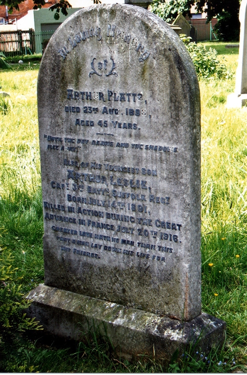Capt. Arthur Platts headstone before restoration